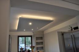 Deckensegel mit indirektem Licht in Küche